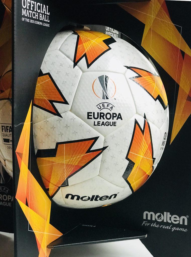 Win een UEFA Europa League bal
